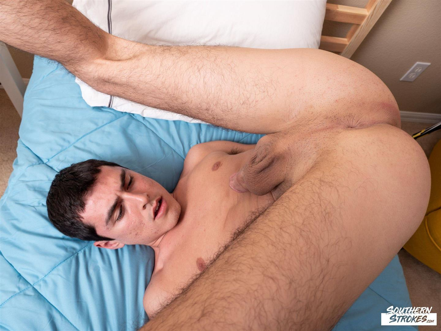 Southern-Strokes-Xavier-Ryan-twink-jerking-off-his-big-cock-free-gay-video-16 Xavier Ryan Jerking His Big Cock And Shoots A Load In His Mouth